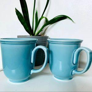 Beautiful blue Thredhold mug set